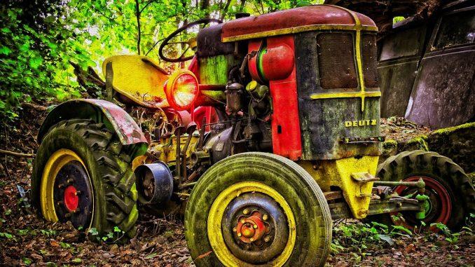 agriculture de précision avec un vieux tracteur